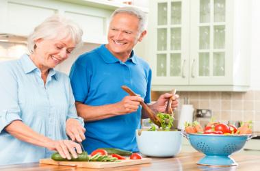 برنامه ریزی غذایی در دوران سالمندی