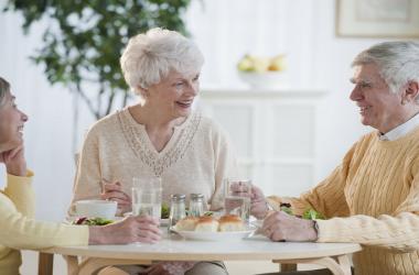 چگونگی نوع تغذیه در دوره ی سالمندی