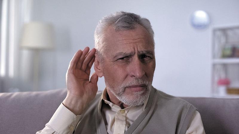 تغییرات بینایی و شنوایی در دوران سالمندی