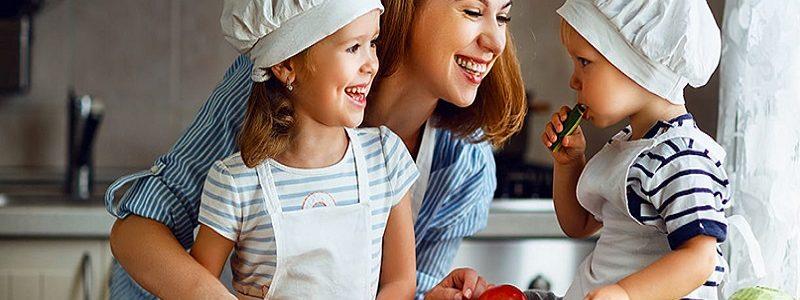 بهترین متخصص تغذیه و رژیم درمانی اصفهان   نقش مادران در تغذیه سالم فرزندان
